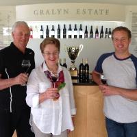 graham_merilyn__Gralyn bradley_with_museum_muscat_winestate_fortified_wine_of_the_year_1_20170213_1095082644